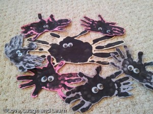 handprint spiders halloween crafts